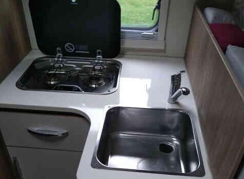 camping-car RIMOR SEAL 95 P PLUS  intérieur / salle de bain  et wc