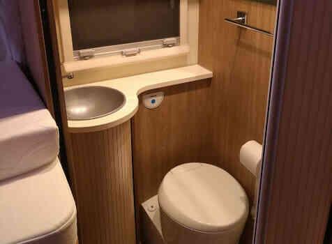 camping-car RIMOR SEAL 95 P PLUS  intérieur / couchage principal