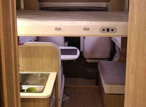 camping-car RIMOR SEAL 95 P PLUS  intérieur / autre couchage