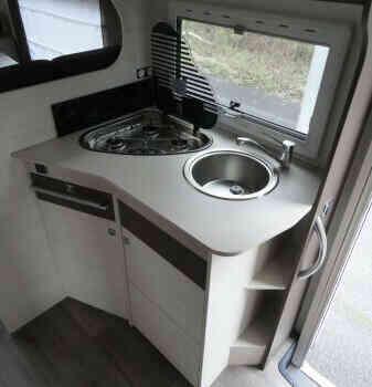 camping-car CHAUSSON C 656  intérieur