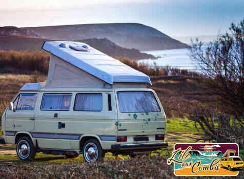 camping-car VOLKSWAGEN COMBI TRANSPORTER T25 T3 DIESEL WESTFALIA  intérieur / coin salon