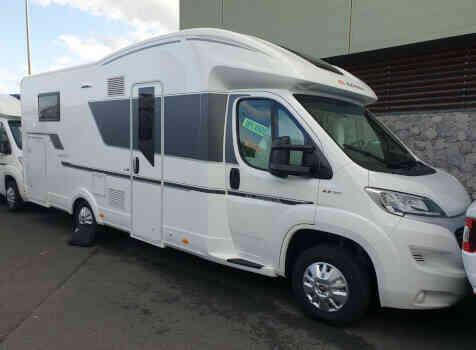 camping-car ADRIA MATRIX 670 SC  extérieur / latéral droit