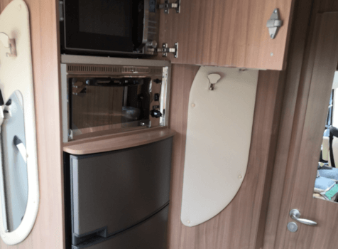 camping-car PILOTE G 600 AVENTURA LA  intérieur / couchage principal
