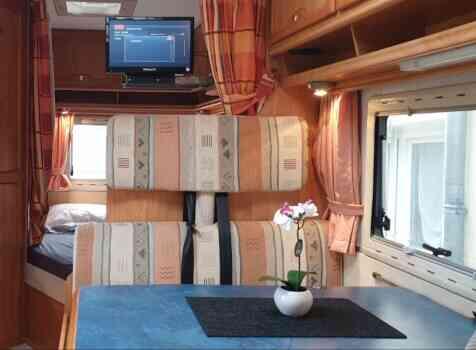 camping-car EURAMOBIL  intérieur