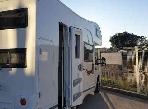 camping-car CHALLENGER C256  extérieur / latéral droit