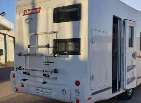 camping-car CHALLENGER C256  extérieur / arrière