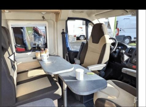 camping-car ROADCAR 540  intérieur / coin salon