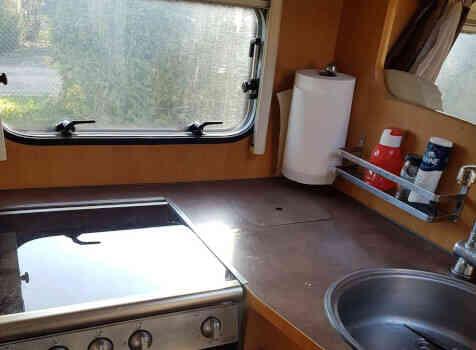 camping-car PILOTE REFERENCE  P 670 PREMIUM  intérieur / salle de bain  et wc