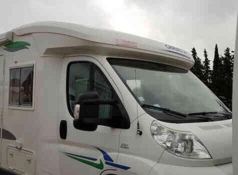 camping-car CHAUSSON WELCOME 85  extérieur / latéral gauche