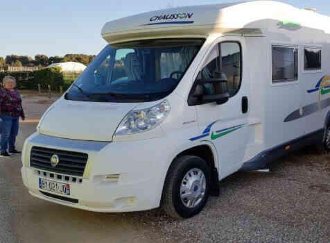 camping-car CHAUSSON WELCOME 85  extérieur / latéral droit