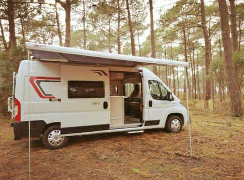 camping-car VANY 114 MAX  extérieur / latéral droit