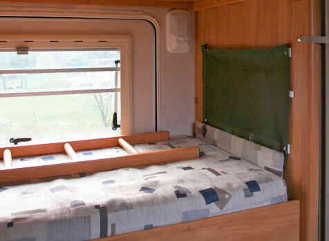 camping-car ADRIA CORAL 670 SK  intérieur / autre couchage