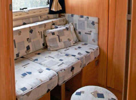 camping-car ADRIA CORAL 670 SK  intérieur / soute
