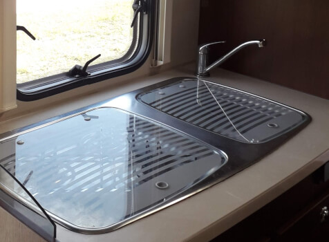 camping-car ROLLER TEAM AUTOROLLER  intérieur / salle de bain  et wc