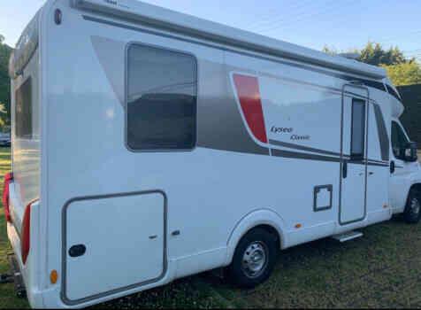camping-car BURSTNER LYSEO CLASSIC TD 744  extérieur / arrière