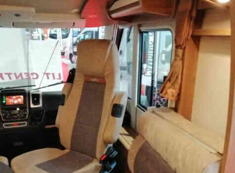 camping-car CARTHAGO C TOURER I150  intérieur / coin salon