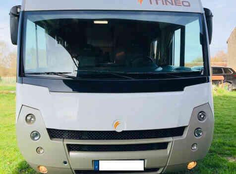 camping-car ITINEO SB 720  extérieur / latéral gauche