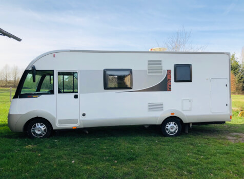camping-car ITINEO SB 720  extérieur / latéral droit