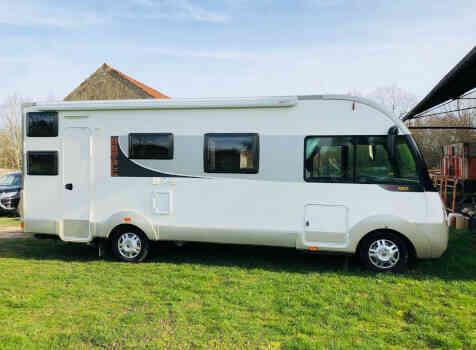 camping-car ITINEO SB 720  extérieur / arrière