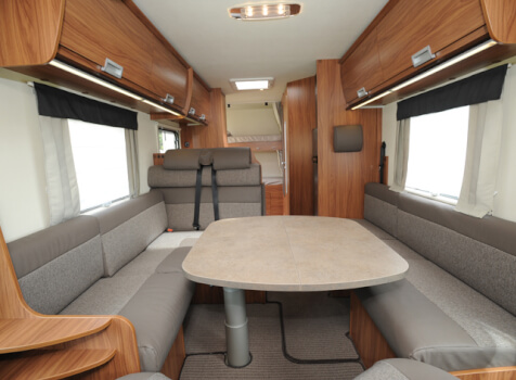 camping-car ITINEO SB 720  intérieur  / coin cuisine