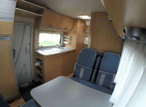 camping-car ADRIA 660 DP  extérieur / arrière