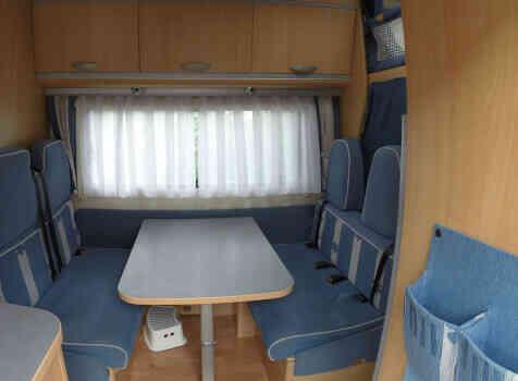 camping-car ADRIA 660 DP  intérieur / soute