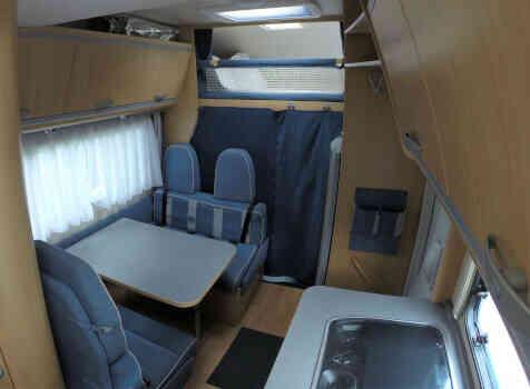 camping-car ADRIA 660 DP  intérieur / autre couchage