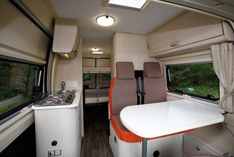 camping-car CHALLENGER V114 MAX VANY    intérieur  / coin cuisine