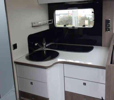 camping-car BAVARIA 741 LC  intérieur / coin salon