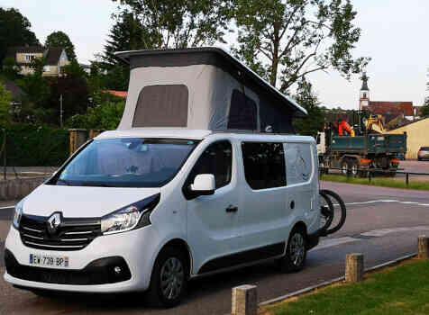 camping-car RENAULT TRAFIC GLENAN   intérieur / s