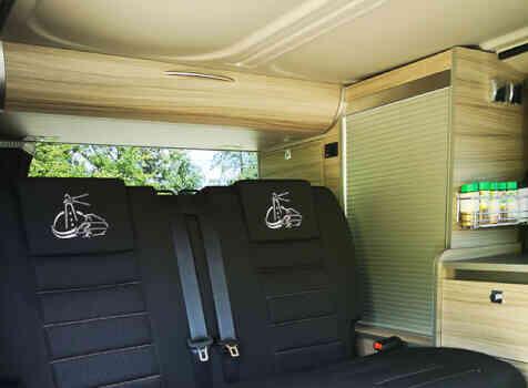 camping-car RENAULT TRAFIC GLENAN   intérieur /