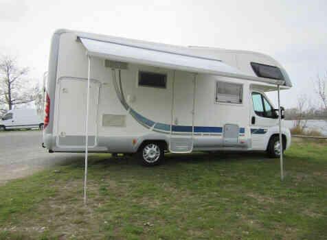 camping-car MC LOUIS TANDY  extérieur / latéral gauche