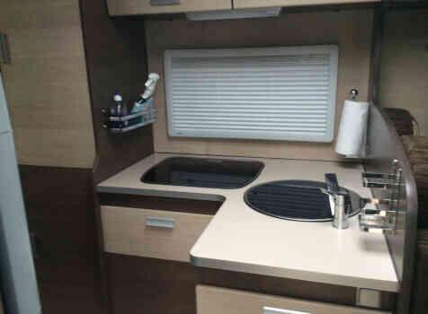 camping-car BAVARIA T710 LG  intérieur /