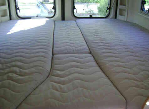 camping-car ADRIA TWIN 640 SLX  intérieur / autre couchage