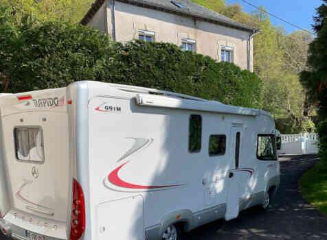 camping-car RAPIDO 991 M  intérieur / coin salon