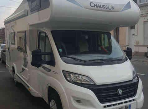 camping-car CHAUSSON C656  extérieur / latéral gauche