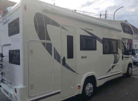 camping-car CHAUSSON C656  extérieur / arrière