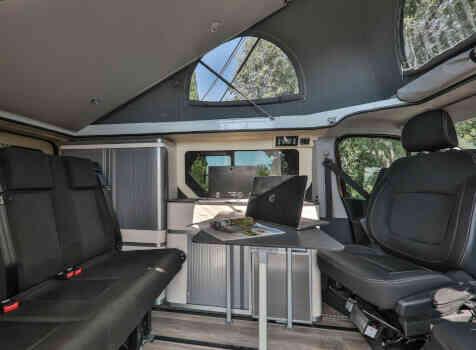 camping-car PEUGEOT KLUBBER (PRO ORL)  intérieur / coin salon