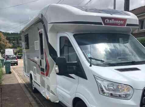 camping-car CHALLENGER GRAPHITE 358 BVA  extérieur / latéral droit