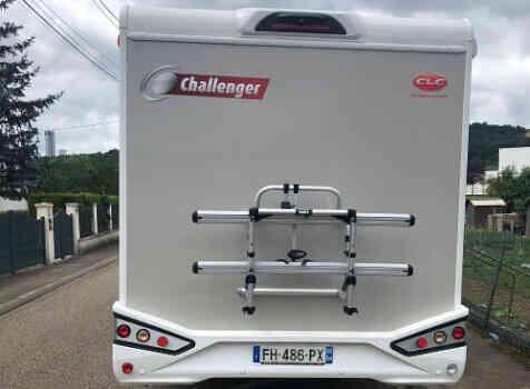camping-car CHALLENGER GRAPHITE 358 BVA  intérieur / coin salon