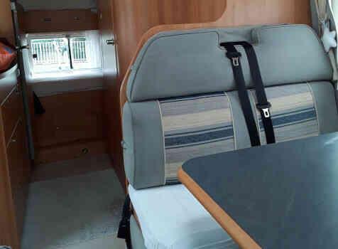 camping-car ADRIA CORAL   intérieur