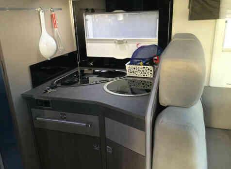 camping-car CHALLENGER 358 GRAPHITE EDITION BVA  intérieur / salle de bain  et wc