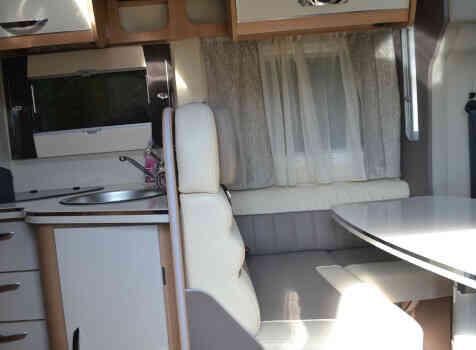 camping-car MC LOUIS MC4 379 G   intérieur / soute