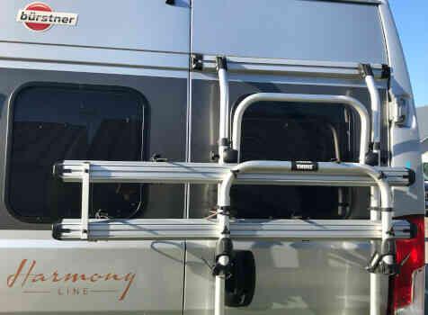 camping-car BURSTNER HARMONY LINE  intérieur / coin salon