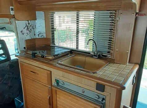 camping-car PILOTE CITROEN C25  intérieur / salle de bain  et wc
