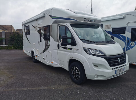 camping-car CHAUSSON 718 XLB SPECIAL EDITION  extérieur / latéral droit