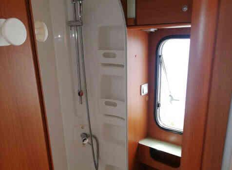 camping-car MC LOUIS STEEL 526 G  intérieur / couchage principal