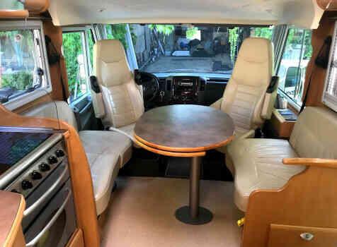 camping-car PILOTE EXPORATEUR  extérieur / latéral droit