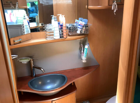 camping-car PILOTE EXPORATEUR  intérieur / coin salon