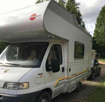 camping-car BURSTNER  extérieur / latéral gauche